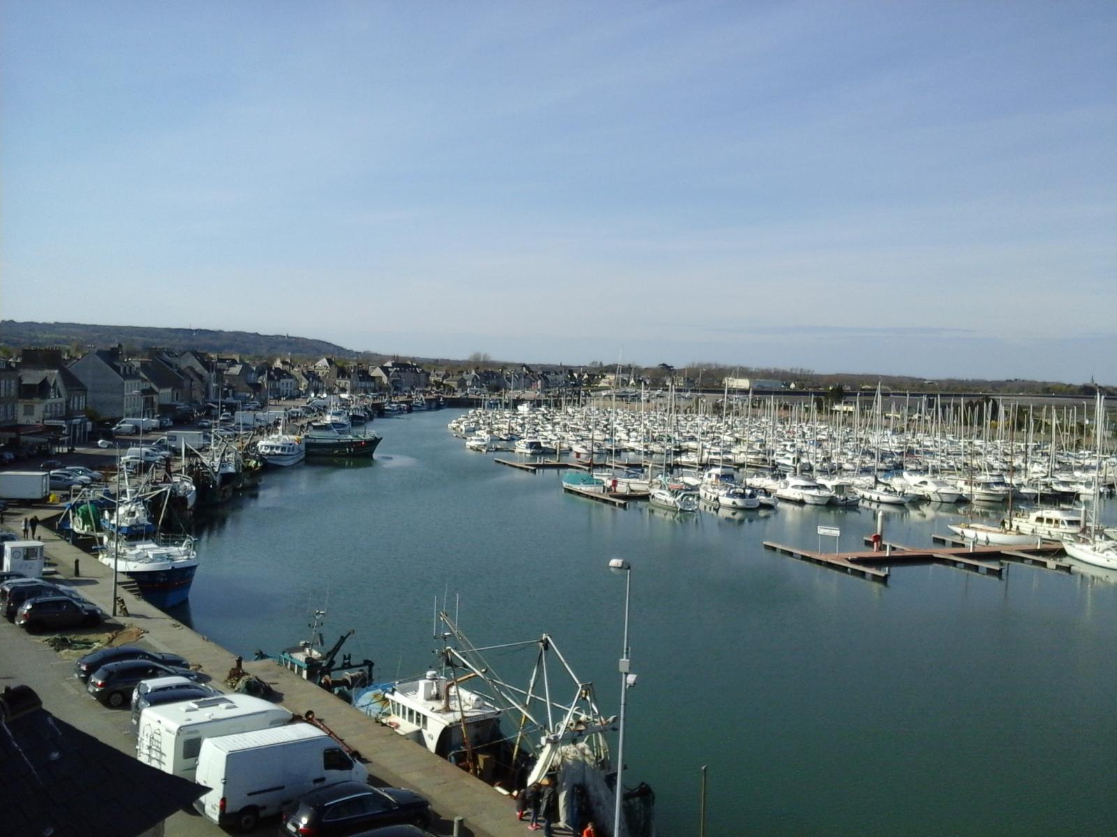 Image n°6 du gîte de mer : Le port de Saint-Vaast-la-Hougue